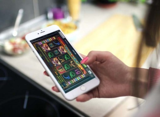 Игровые автоматы на деньги с телефона