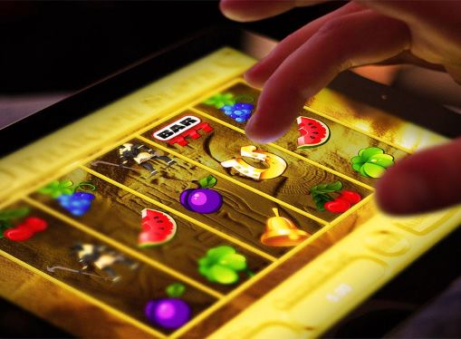 Играть в автоматы с мобильного телефона с выводом
